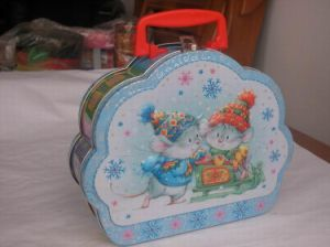 Flower Shape Tin Lunch Box pictures & photos