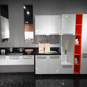 China Factory Sell Custom Made Kitchen Furniture (ZH-016) pictures & photos