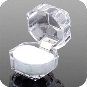 Acrylic Crystal Clear Ring Box Jewelry Box Case Gift Boxes pictures & photos