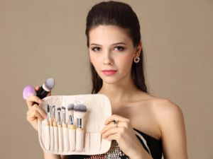 8PCS Cosmetic Brushes with Bamboo Handle pictures & photos