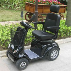 800W 4 Wheel Electrical Mobility Scooter for Handicapped (DL24800-3) pictures & photos