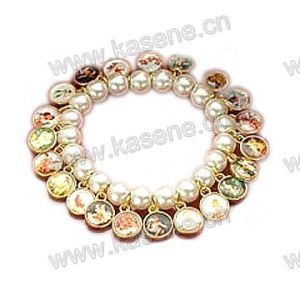 Fashion Pearl Beads with Alloy Saint Pictures Bracelet pictures & photos