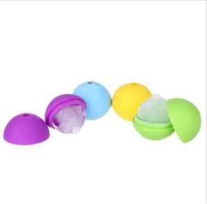 Hot Selling Football Silicone Ice Ball Mold/Ice Ball for Freezing Drinks pictures & photos