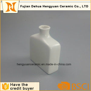White Small Square Porcelain Bottle for Home Decor pictures & photos