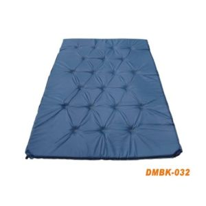 Outdoor Camping Mat Foldable Self-Inflating Air Mattress pictures & photos