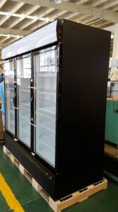 Three Door Soft Drink Display Cooler with LED Light for Supermarket pictures & photos