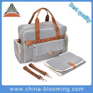 Custom Wholesale Multifunction Adult Changing Tote Baby Diaper Bag pictures & photos