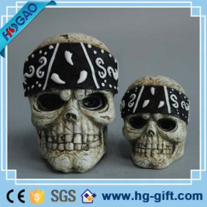 Halloween LED Flashing Lights Resin Skull Party Decoration Creative Terror Props pictures & photos