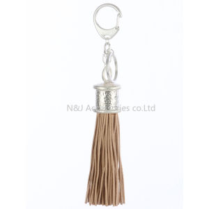 Fashion Casual Brown PU Leather Tassels Women Keychain Bag Pendant Alloy Car Key Chain Ring Holder Retro Jewelry pictures & photos