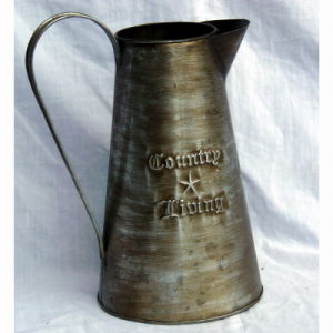 Antique Tin Garden Water Can Tin Water Jug Watering Can pictures & photos