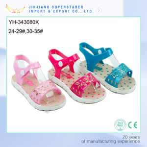 New Fashion Style High Quality Cheap PVC Girls Sandals pictures & photos