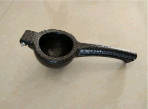 Lemon Juice Squeezer/Lemon Extractor Cast Iron pictures & photos
