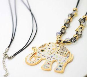2013 Crystal Rhinestone Elephant Necklace Fashion Jewelry (MOS-NA01119)