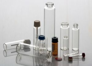 Clear and Amber Cosmetic Glass Vial Bottle by Neutral Glass Tube pictures & photos