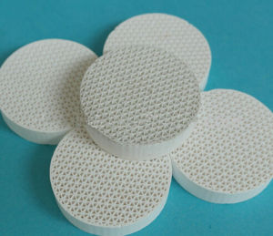Straight Hole Ceramic Honeycomb Filter Honeycomb Industrial Ceramic for Heat Storage pictures & photos