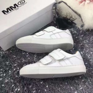2017 Latest Anti-Stain White Lady Leather Shoes Women Sneaker Michael002 Zapatos pictures & photos
