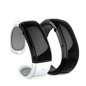 Bluetooth Bracelet with MP3 Clock and Alarm