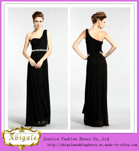 2014 One Shoulder Beading Sequins Sleeveless Long Black Chiffon Bridesmaid Dresses (MI 3523) pictures & photos