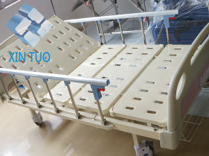 Best Selling Manual 2 Function Medical Bed Hospital Patient Bed pictures & photos