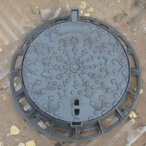 Heavy Duty Cast Iron Manhole Cover Frame En124 D400 pictures & photos
