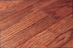 Red Oak Engineered Wood Flooring-3 Strips Gunstock Color with Flat Surface (LYEW 18) pictures & photos