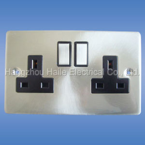 Double Switch Socket(UK Standard) pictures & photos