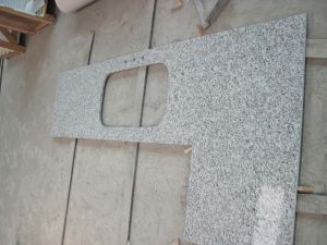 Gold Imperial Granite Stone Laminate Solid Countertop for Kitchen Cabinet pictures & photos