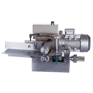 China Manufacturer-Holo PVC Rubber Belt Slitting Machine pictures & photos