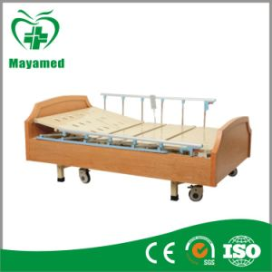 My-R005 Hot Sale Luxuious Hospital Electric Adjustable Bed pictures & photos