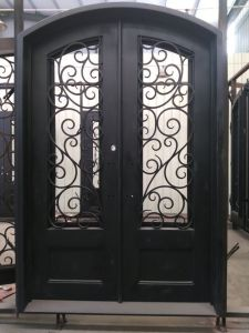 Elegant and Antique Wrought Iron Doors and Gates Design (UID-D159) pictures & photos