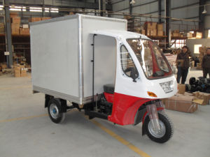 Gasoline Semi Cabin of Closed Box Cargo Tricycle pictures & photos