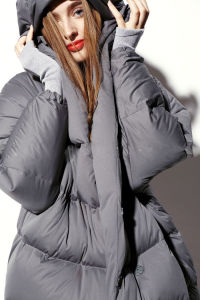 Lady′s Long Slim Fashion Winter Coat Down Jacket with Cotton Duck Down pictures & photos