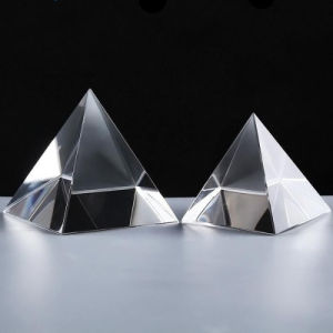 Elegant Clear Quartz Crystal Pyramid Paperweight Glass Pyramid pictures & photos
