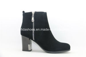 New Comfort Medium High Heels Leather Lady Boots pictures & photos
