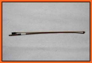 Middle Grade Octagonal Violin Bow with Silver-Plated Winding pictures & photos