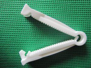 Plastic Umbilical Cord Clamp pictures & photos