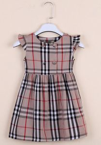 Little Baby Dress in British Wind Clothes with Fashion Garment pictures & photos
