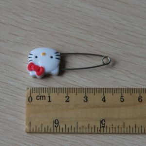 Lovely Hello Kitty Head Shaped Baby Diaper Safety Pin pictures & photos