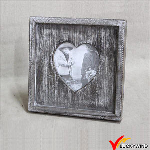 Multi-Colored Wood Vintage Triple Love Heart Shape Lovely Photo Frame pictures & photos