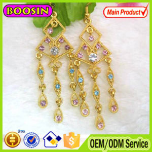 Hot Sale Crystal Earring Hoop Metal Fashion Earring for Daily Dress #2915 pictures & photos