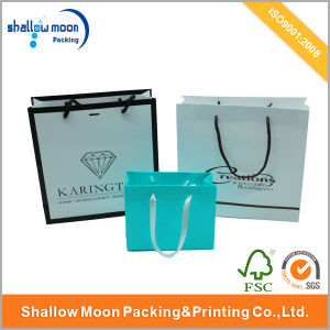 Beatuiful Fancy Glossy Finishing Paper Packaging Bag Recyled Bags (AZ-121720) pictures & photos
