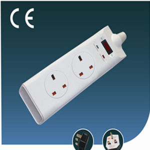 UK Electrical Switched Socket Two Ways with Surge Protection pictures & photos