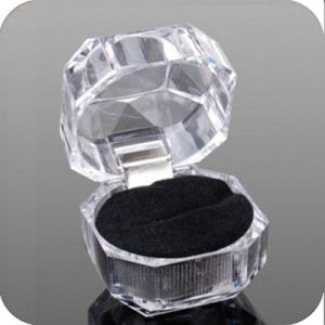 Acrylic Ring Box for Jewellery Packing Display Transparent Carrying Cases for Ring Gift Hot Sale pictures & photos