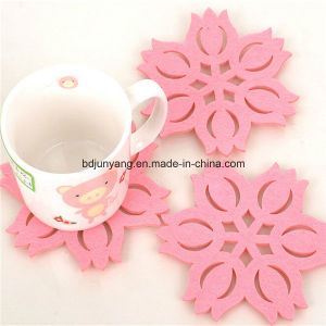Sophisticated Technology Laser Cutting Felt Coaster Pad Placemat pictures & photos
