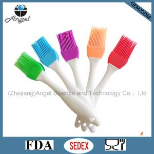 Popular Kitchenware Silicone Brush for Cooking and Baking Sb03 (S) pictures & photos