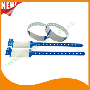 Medical Vinyl ID Wristbands Bracelet Bands (8020A4) pictures & photos
