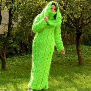 Fashion New Design 100% Hand Knit Winter Long Warm Dress pictures & photos