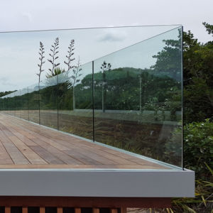 High Quality Indoor Balcony Glass Railing / U Channel Aluminum Profile for Glass Railing pictures & photos