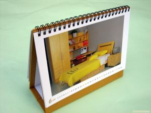 Wholesale High Quality Art Paper Spiral Binding Desk Calendar Printing pictures & photos