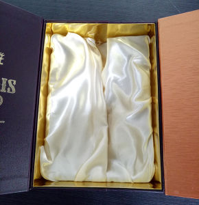Good Quality Good Price Brand Supplier Gray Paper Custom Wine Box with Spacialpaper Logo Stamping pictures & photos